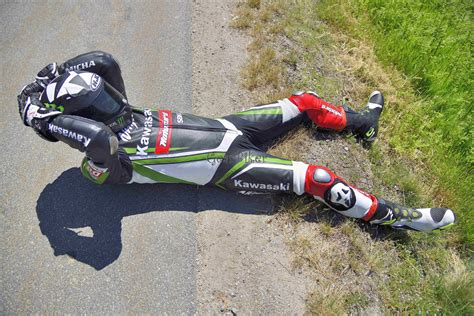 Motorrad Lederkombi Kawasaki by Gearbiker S Home Biker Unterwegs Mit Kawasaki Lederkombi 4