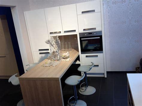 kleine winkelküche wohnzimmer decken dekoration