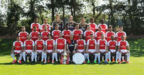 arsenal usa tv arsenal reveal 2015 16 squad photo and it looks