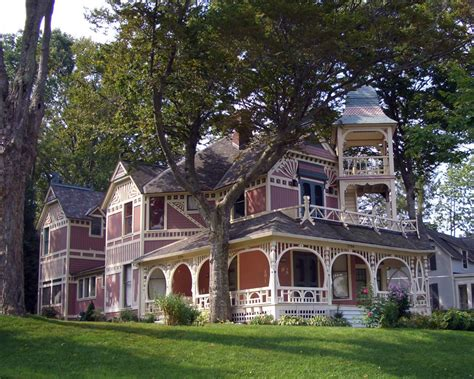 victorian home style upside down home houses pinterest