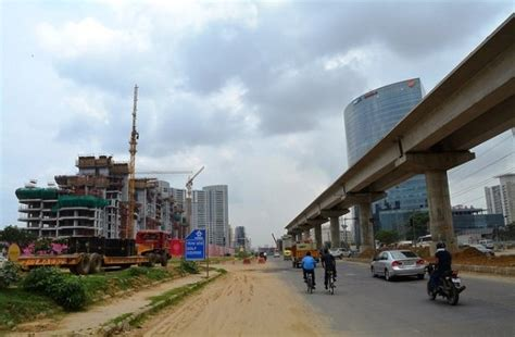 pics gurgaon metros phase    golf  road