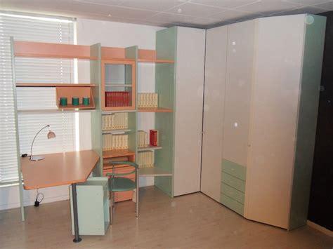 armadio angolare prezzi armadio angolare libreria e scrivania per cameretta galli