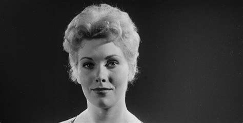 kim novak died who are the top 10 hottest hollywood bombshell of all time