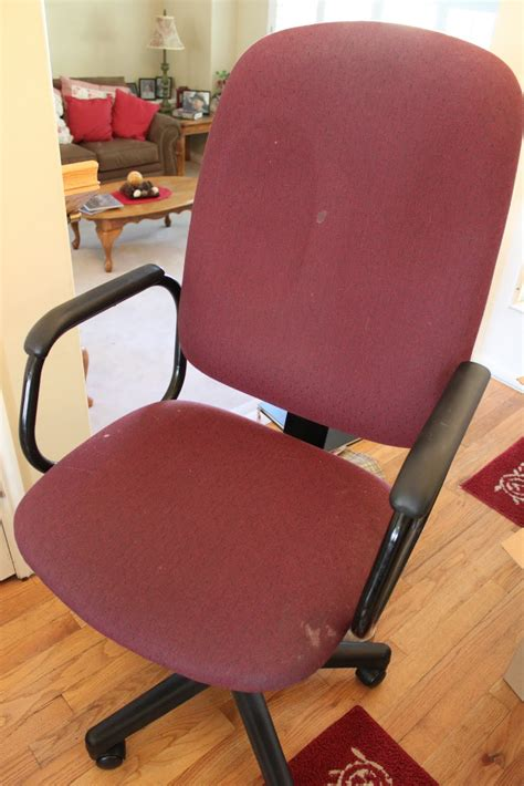 Diy Office Chair by Do It Yourself Divas Diy Reupholster That Office Chair