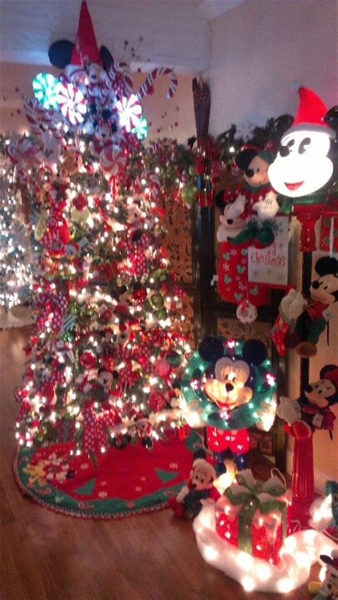 mickey and minnie christmas tree mickey and minnie