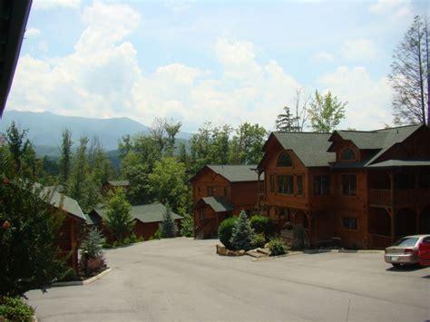 Cabin Resort Gatlinburg Tn by Gatlinburg Falls Resort Luxury Cabin Rentals In