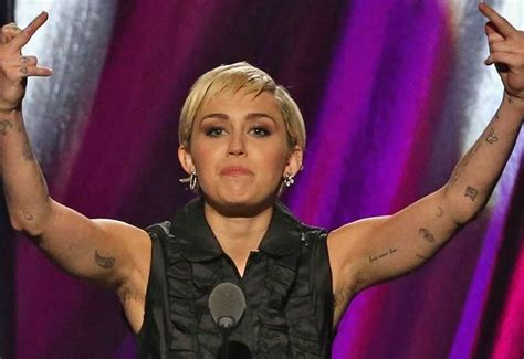 miley cyrus skinny instagram pic fans react to bony miley cyrus latest beauty move is getting a mixed