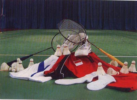 badminton perlengkapan