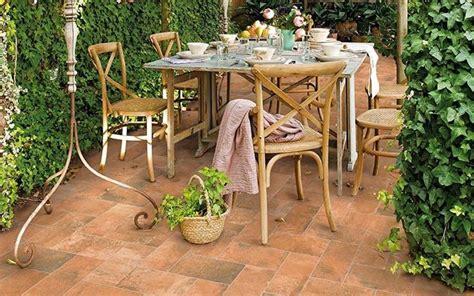piastrelle in plastica da giardino mattonelle da giardino tipi di mattonelle arredo giardino