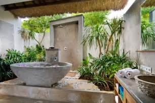 Outside Bathroom Ideas 42 Amazing Tropical Bathroom D 233 Cor Ideas Digsdigs