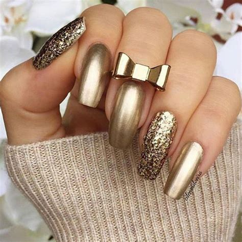 Some Nail Designs by Best 25 Gold Nails Ideas On Gold Tip Nails