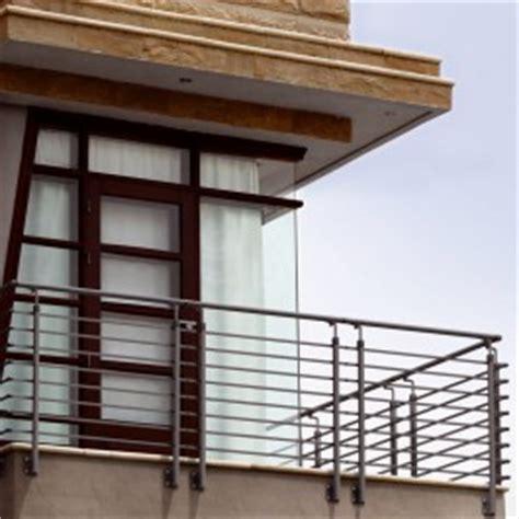 ringhiera balcone ringhiera balcone boiserie in ceramica per bagno
