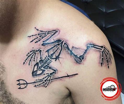 frogman tattoo artist michel pantaleon canoa logo de hombre