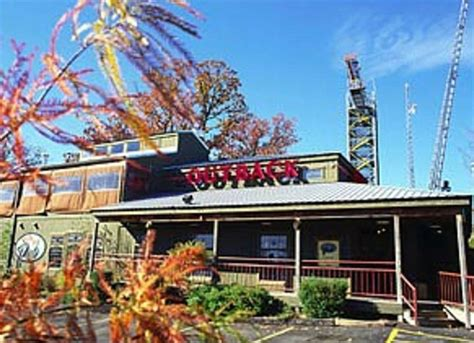outback steak oyster bar    country blvd