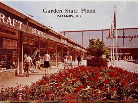 Garden State Plaza Lids Remember When The Garden State Plaza Looked Like This