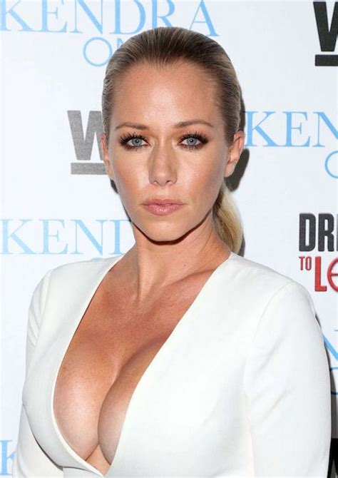 kendra wilkinson height weight body statistics healthy celeb