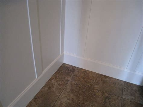 Wainscoting Around Corners by Exle Of How To Do An Inside Corner With Board And