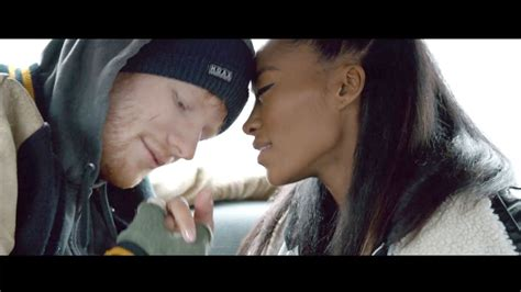 ed sheeran perfect actress ed sheeran damages his face even more in the shape of you