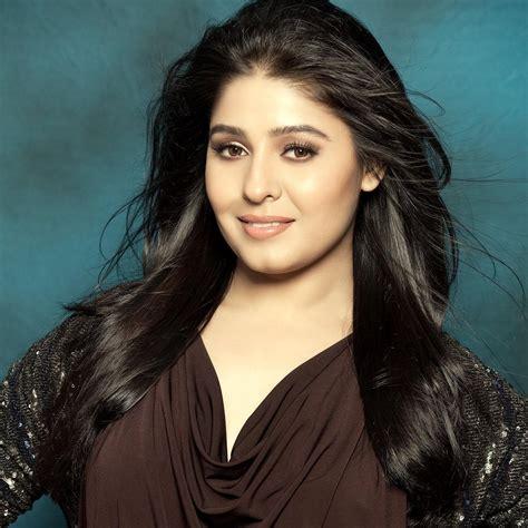 best female singers top 8 highest paid singers in bollywood