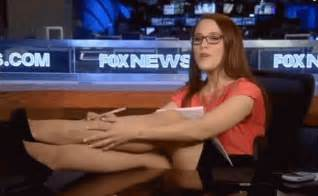 Obama Feet On Desk S E Cupp Maxim Pics S E Cupp Legs Cleavage