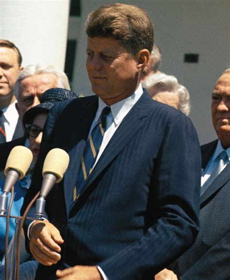 john f kennedy hair style a thousand days of jfk a continuous lean