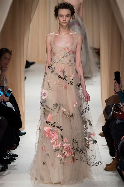 15 At Couture by Valentino The Of Dress