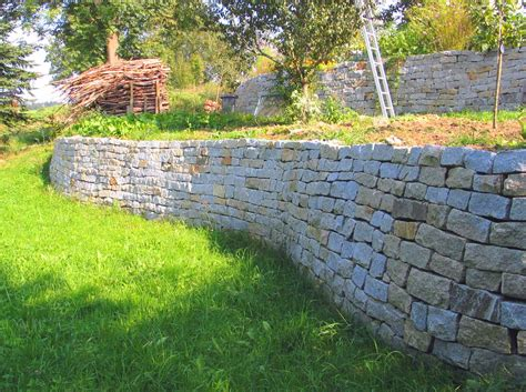 Klinker Mauern Im Garten by Mauer Trockenmauer Stein Gartengestaltung Gartenbau