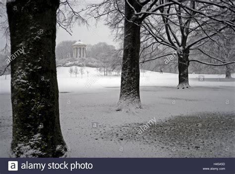 Englischer Garten Munich Winter by Winter Garden Munich Germany Stockfotos Winter