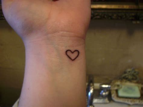 heart on my wrist by tawnyzomby on deviantart
