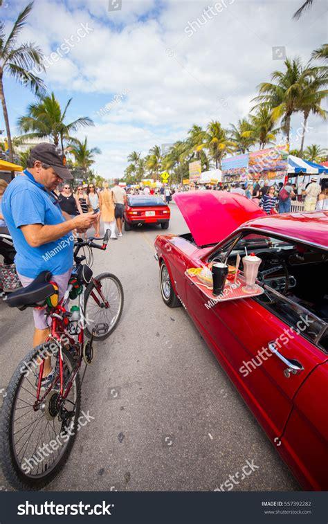 deco car parade 2016 usa florida miami january 15 stock photo 557392282