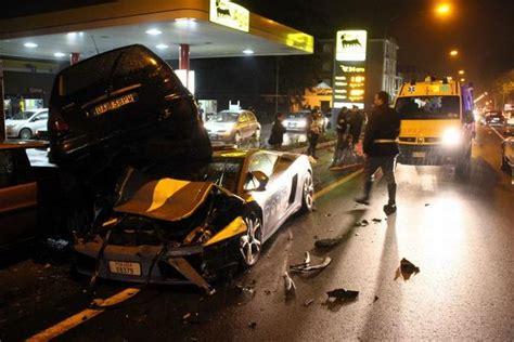 Italian Lamborghini Crash Italian Crash Lamborghini Gallardo Car