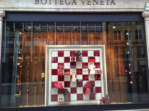 is veer a scrabble word chess bottega veneta visual merchandising