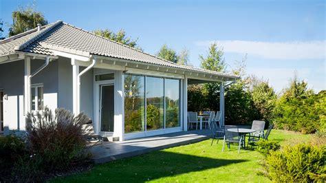 garten bungalow bauen ferienhaus in deutschland bauen musterhaus net