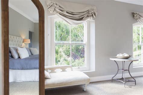 feng shui mirror bedroom how to use mirrors for good feng shui