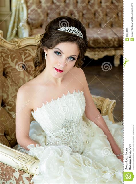 Beautiful Brunette Bride Portrait  Ee  Wedding Ee   Makeup And