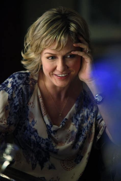 amy carlson haircut is it good for thick wavy hair 1000 images about blue bloods on pinterest seasons
