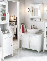 Organize Small Bathroom by Pamba Boma Organizing A Small Bathroom
