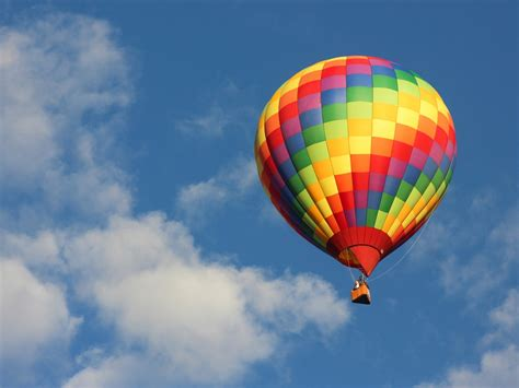 Air Baloon uber is offering free air balloon rides in albuquerque