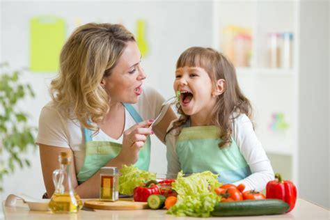 linee guida alimentazione bambini in arrivo le linee guida sull alimentazione della prima