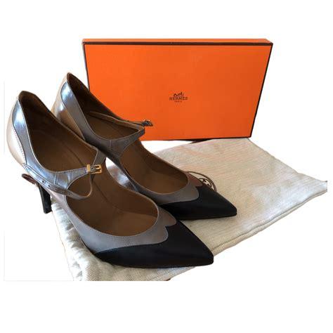 Grosir Wedges Lv Cassual 7cm Sandal Wedges Wedges Lv Lv Hitam herm 200 s a classic heels modsie