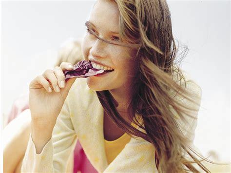 alimentazione per far crescere i capelli capelli 11 alimenti per far crescere i capelli belli