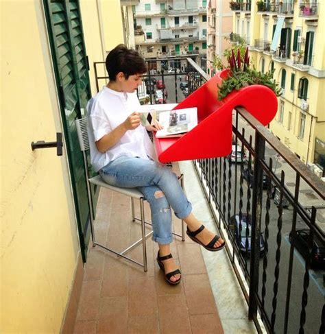 balkonzept a balcony desk and flower box