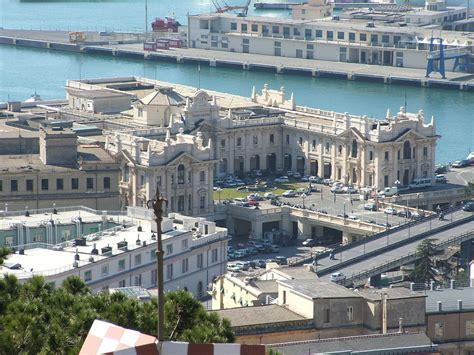 la via porto di genova stazione marittima di genova