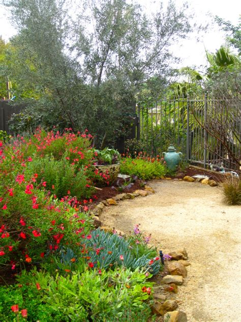 california style garden by shirley bovshow of