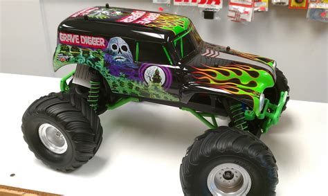 images of grave digger monster grave digger monster truck wallpaper www pixshark com