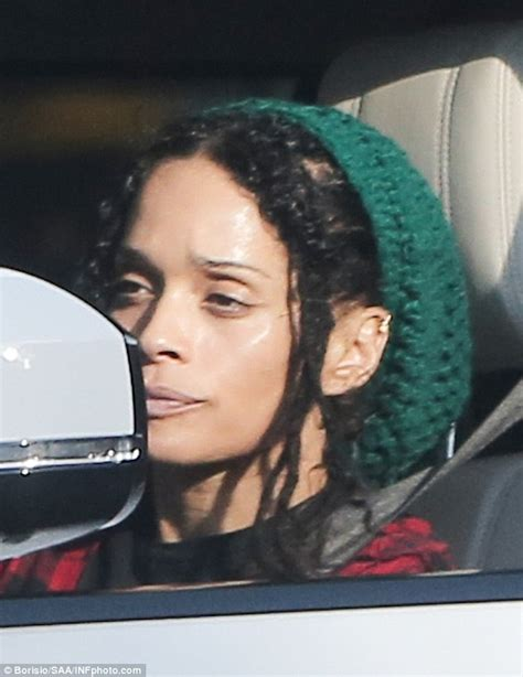 zoe kravitz married to zoe kravitz wraps up for retail therapy with mum lisa