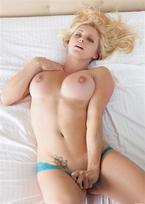 Blonde And Fit Porn Photo EPORNER