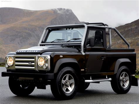 Land Rover Defender Svx Photos Photogallery With 18 Pics