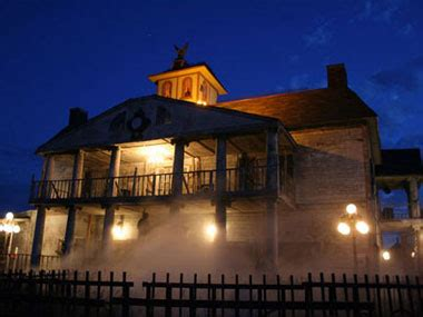 the best haunted houses 11 best haunted houses in america reader s digest
