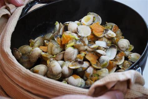 cuisiner coques coques l 233 gumes de saison cocotte